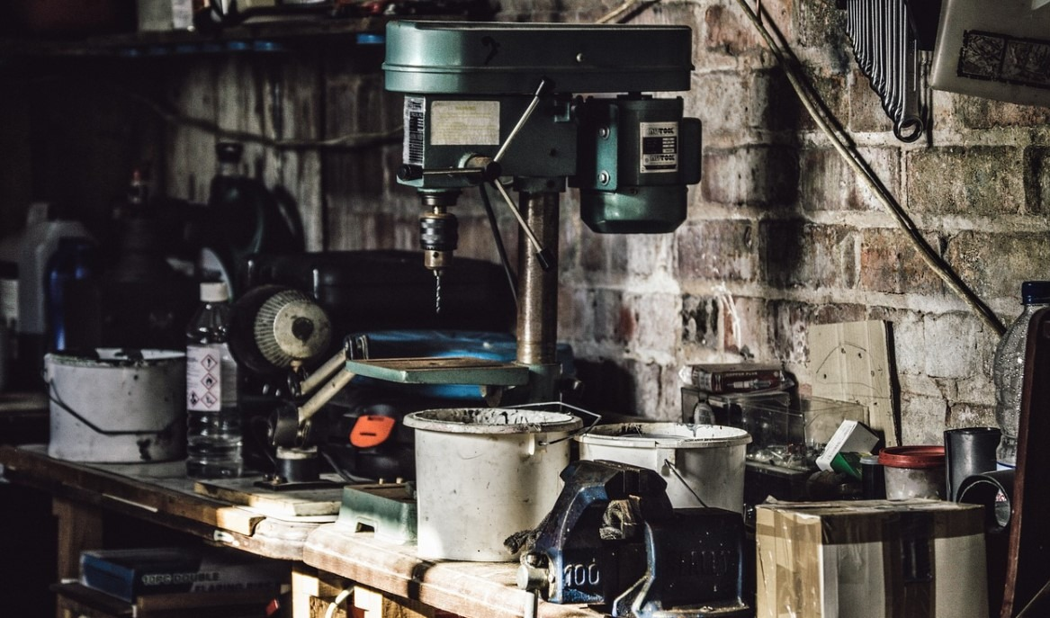 Tips-for-Organizing-the-Garage
